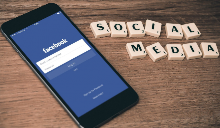 Lista błędów w reklamie na Facebooku.